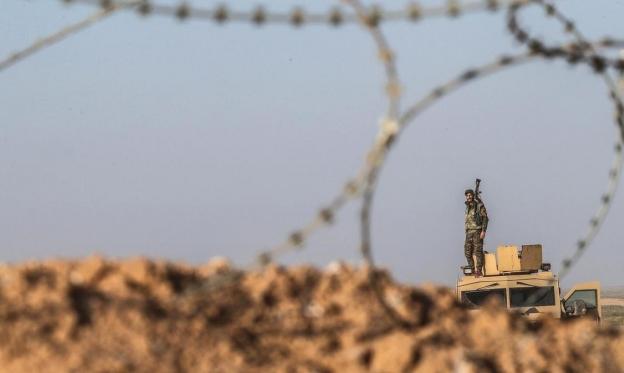 المرصد: لا صحة للتقارير حول انسحاب قوات إيرانية من سورية