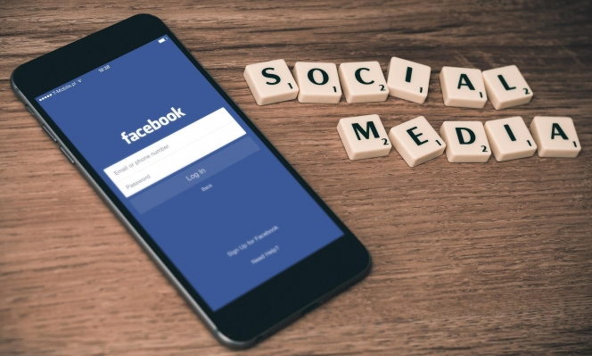 """""""فيسبوك"""" تعلن عن """"محكمة داخلية"""" للنظر بالمحتويات الإشكالية"""