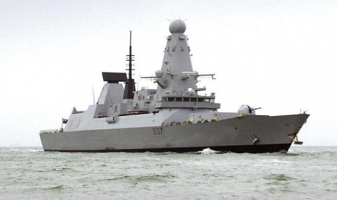 السعودية تمنع سفينة إماراتية من دخول سقطرى اليمنية
