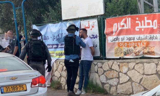اعتقال 3 شبان من قلنسوة إثر المشاركة في تشييع الشهيد يونس