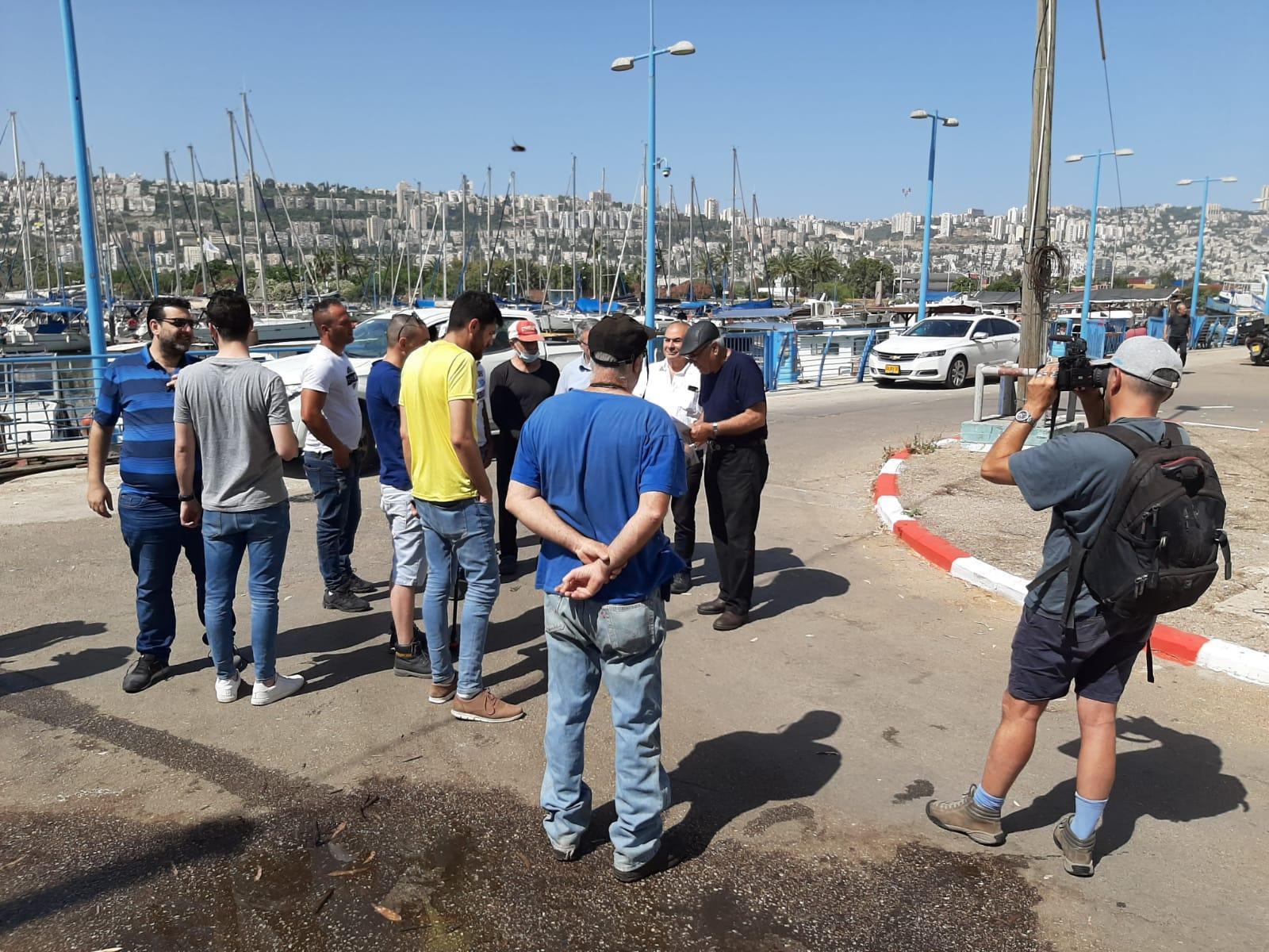 قافلة القوارب الاحتجاجية تغلق ميناء حيفا