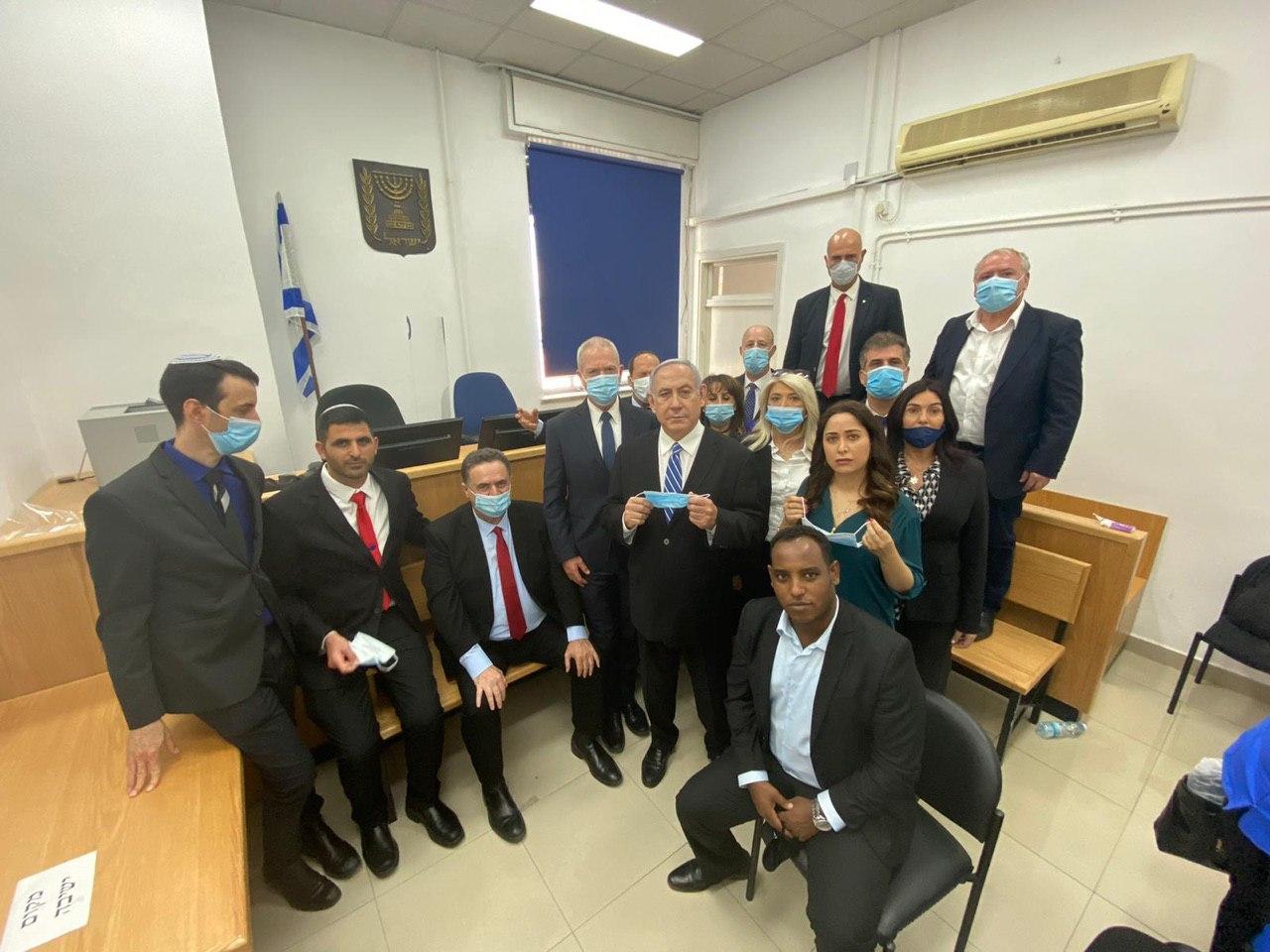 """نتنياهو يمثل للمحاكمة: """"استهدافي شخصي وسياسي"""""""