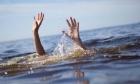 حيفا: إيقاف البحث عن شاب فقدت آثاره في البحر