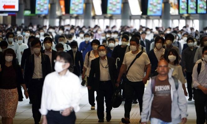 """الصحة العالمية تحذر من """"ذروة ثانية"""" لكورونا بالتزامن مع موسم الإنفلونزا"""