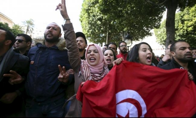 تونس: احتجاجات عدة تطالب الحكومة بحل مشاكل البطالة