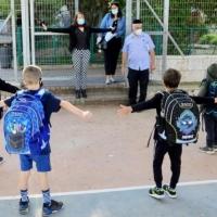 لا قرار بإغلاق المدارس واستثناء المناطق التي تشهد تجددا بانتشار كورونا