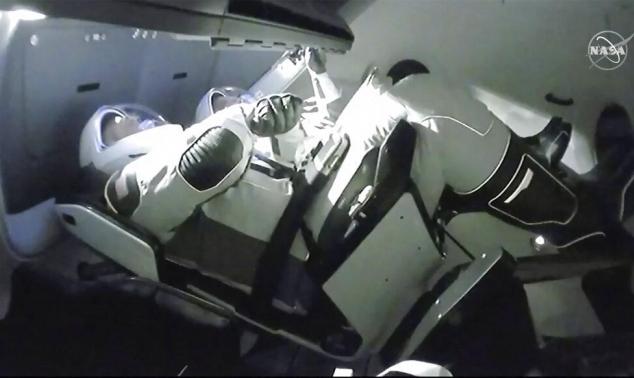 """""""كرو دراغون"""" التابعة لـ""""سبايس إكس"""" تلتحم بمحطة الفضاء الدولية"""