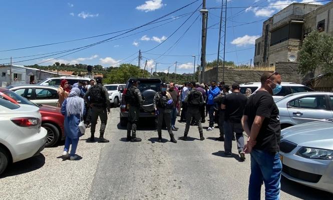 قوات الاحتلال تقتحم بيت الشيخ عكرمة صبري وتنفذ اعتقالات