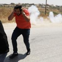 إصابة العشرات باعتداء الاحتلال على مسيرات بالضفة وفصائل تدين التطبيع