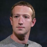 """باحثون يمولهم زوكربرغ يحثون """"فيسبوك"""" على كبح جماح ترامب"""
