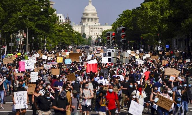 تواصل الاحتجاجات الأميركية.. وتدفق عشرات الآلاف نحو البيت الأبيض