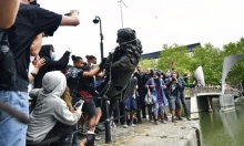 بريطانيا: تحطيم تمثال تاجر رقيق في مظاهرة ضد العنصرية