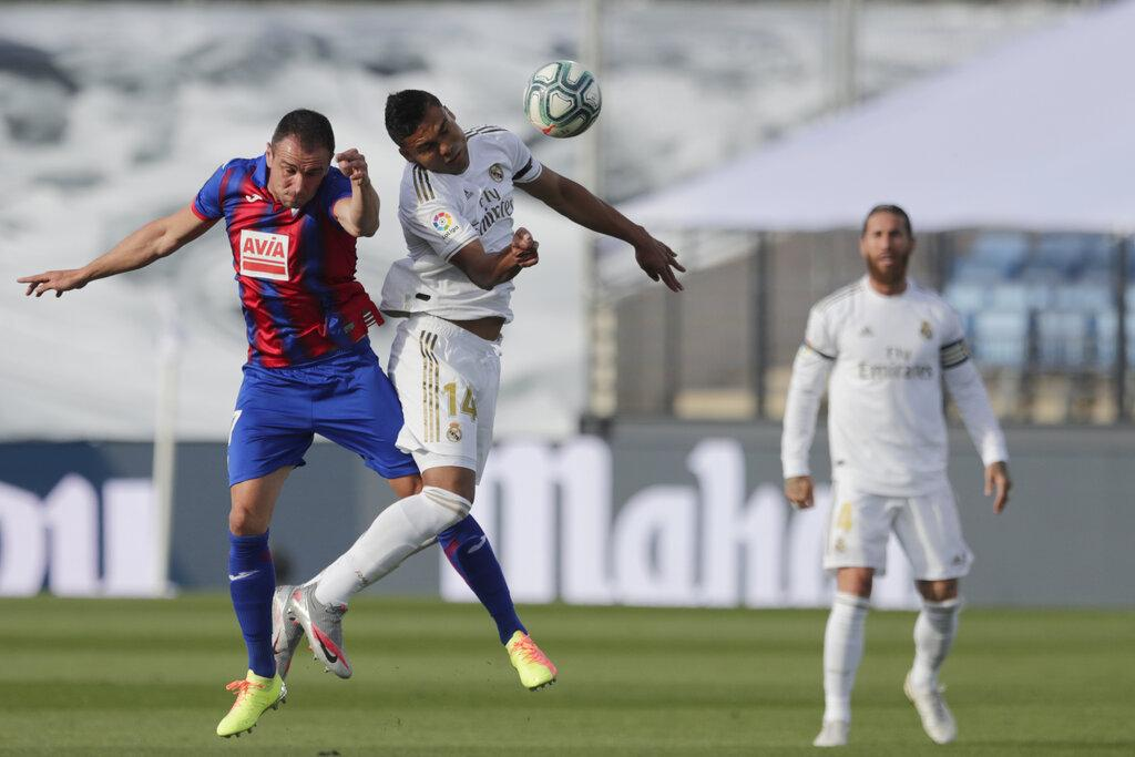 ريال مدريد يستأنف الليغا بالفوز على إيبار