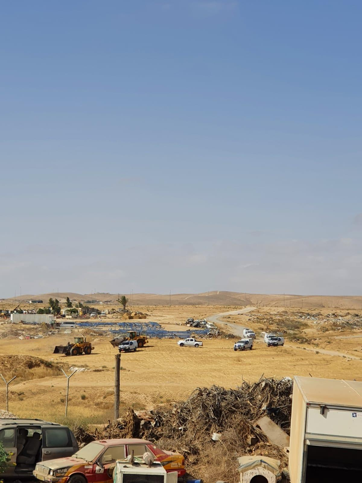 الزرنوق: هدم منزلين لعائلة أبو قويدر