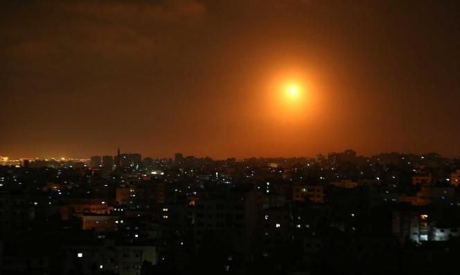 جيش الاحتلال يقصف مواقع للمقاومة بغزة