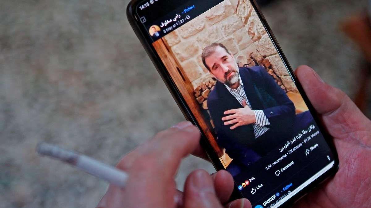 رامي مخلوف.. شركاته سيطرت على الإنترنت قبل الثورة وموّل هجمات إلكترونية بعدها