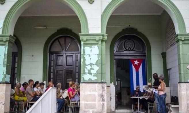 """في كوبا: """"لدينا شكاوى تتعلق بالتسوق عبر الإنترنت أكثر من الرعاية الصحية"""""""