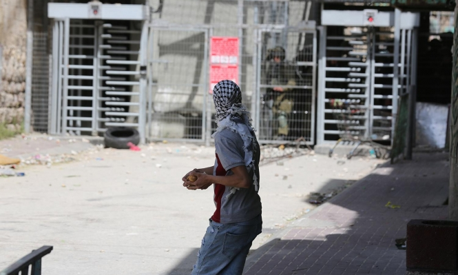 مواجهات مع الاحتلال في الخليل واعتقال شاب من جنين