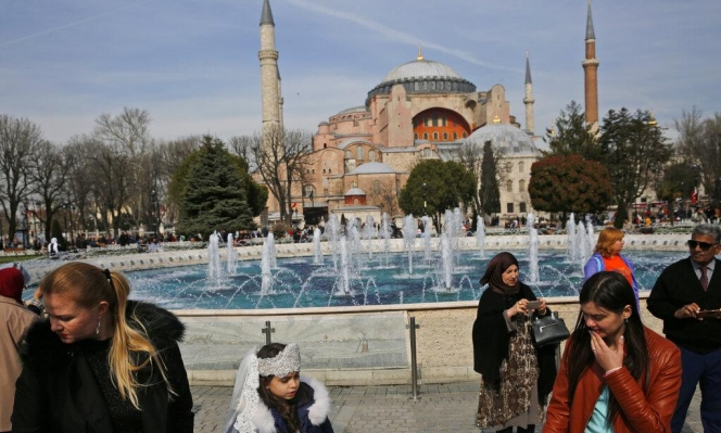 تركيا تبت بتحويل كاتدرائية آيا صوفيا لمسجد وسط اعتراض غربي