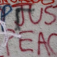 """""""فيسبوك"""": ضربات اقتصاديّة... وانحياز للمستبدين العرب"""