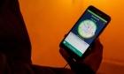 قانون يلزم المواطنين بتسليم أرقام الهواتف وعناوين البريد الإلكتروني