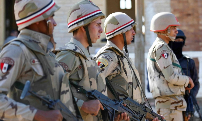 مناورات عسكرية للجيش المصري قرب الحدود الليبيّة