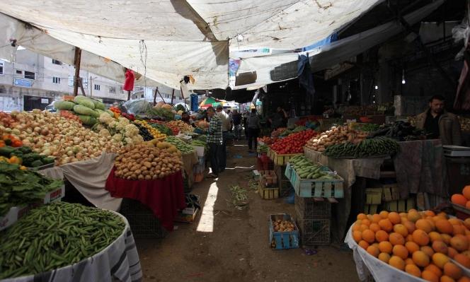 وفق التعليمات: أسواق غزة تستأنف نشاطها