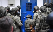 """أسرى """"عوفر"""" يُحققون مطالب بعد جلسةبين ممثليهم وإدارة السجن"""