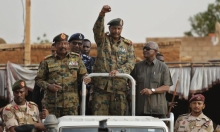 الجيش السوداني يمهّد لملاحقة صحافيين وناشطين قضائيًا