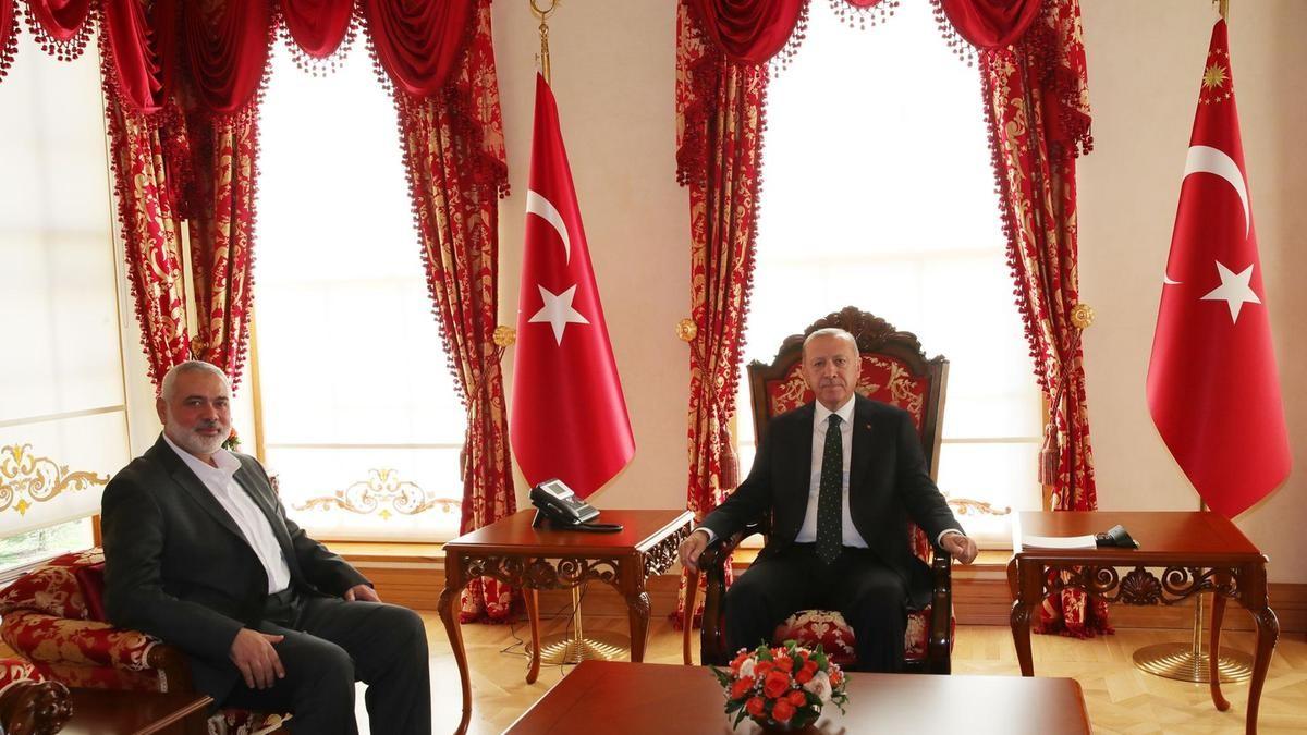 """شهدت علاقات """"حماس"""" بالرئاسة التركية قفزة هائلة في حكم إردوغان (أ ف ب)"""
