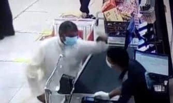 #حق_العامل_المصري | مغتربٌ في الكويت يُضرب ويصمت