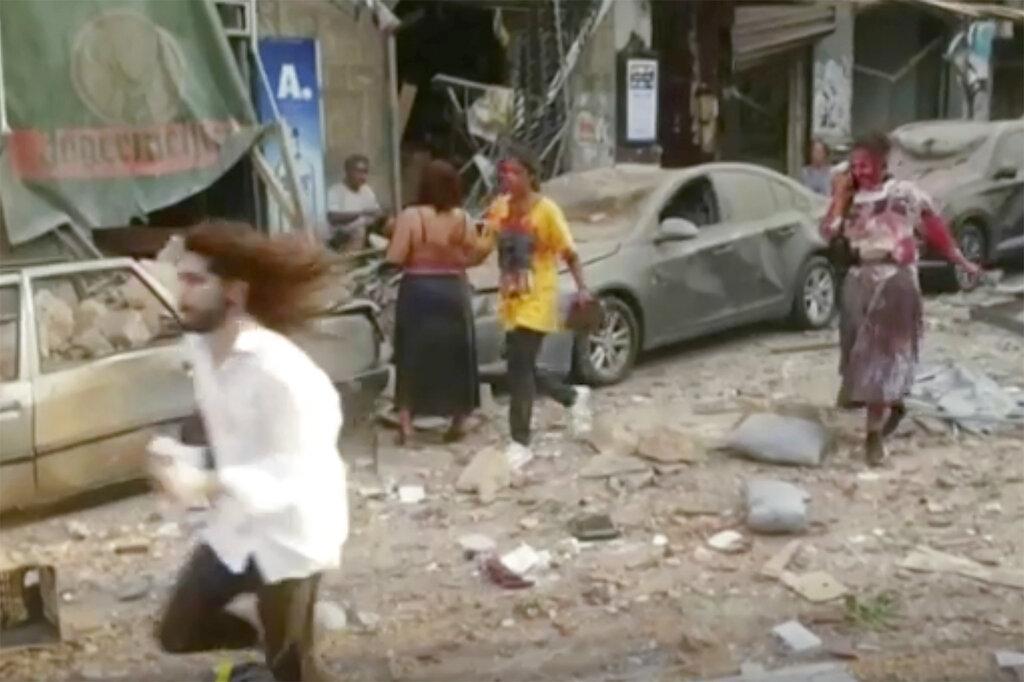 """""""بيروت مدينة منكوبة"""": قتلى وآلاف الجرحى في انفجار هائل"""