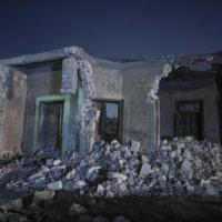 انهيار مبنى من 5 طوابق في مصر وبحث عن عالقين