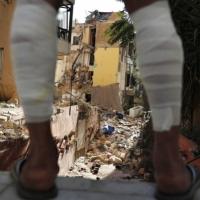 تفجير بيروت: عون لا يستبعد فرضية الهجوم