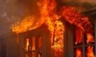 حريق هائل يطال منازلَ عدة شرقي لبنان