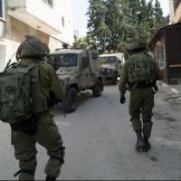 اعتقالات بالضفة والقدس واعتداءات للمستوطنين قرب نابلس