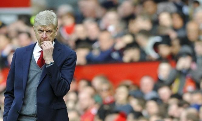 فينغر يرد على اهتمام برشلونة