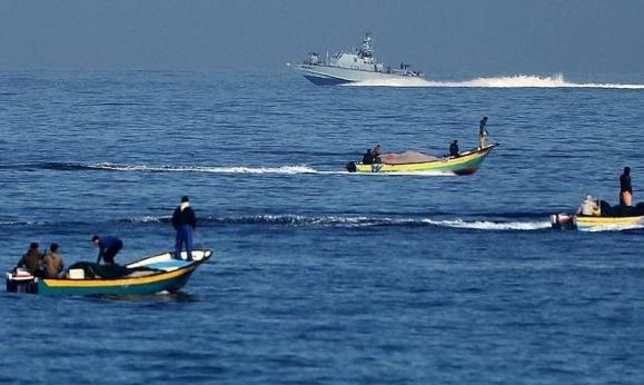 بعد القصف في غزة: الاحتلال يغلق البحر أمام الصيادين
