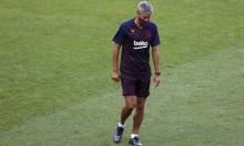 برشلونة يعلن إقالة مدربه