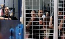 الاحتلال يمعن التنكيل بالأسرى ويتعمد إذلالهم