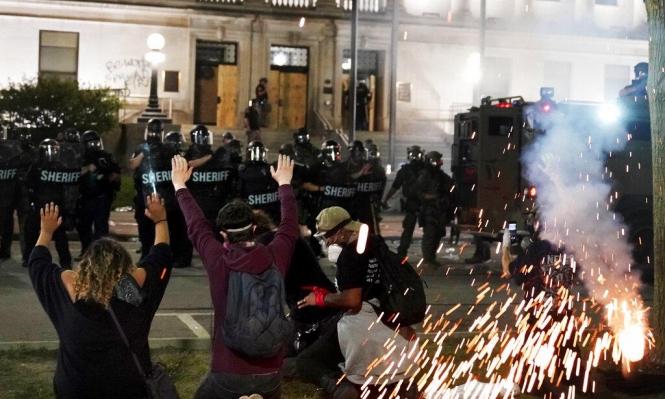 تجدد المواجهات بين الأميركيين السود وقوات الشرطة