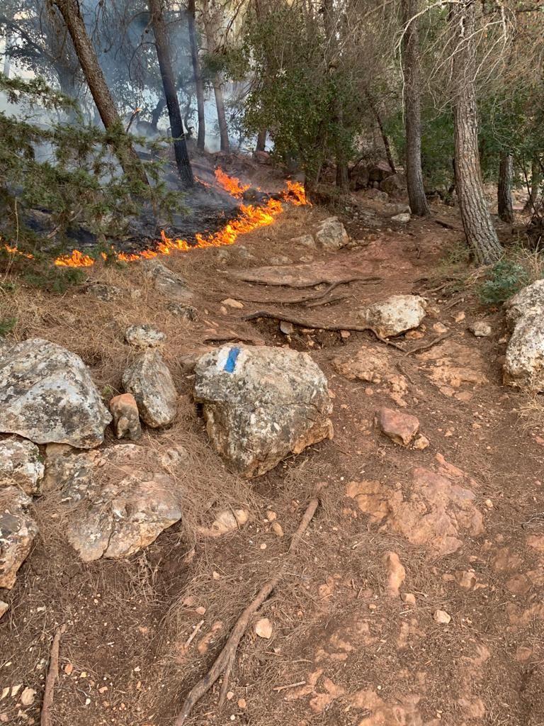 حريق هائل قرب كنيسة التجلي بجبل الطور ومنازل بدبورية
