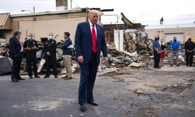 ترامب يصف الاحتجاجات المناهضة لعنف الشرطة بالإرهاب