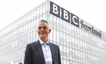 """مدير """"بي بي سي"""" يمنع موظفيه من نشر آرائهم السياسيّة"""