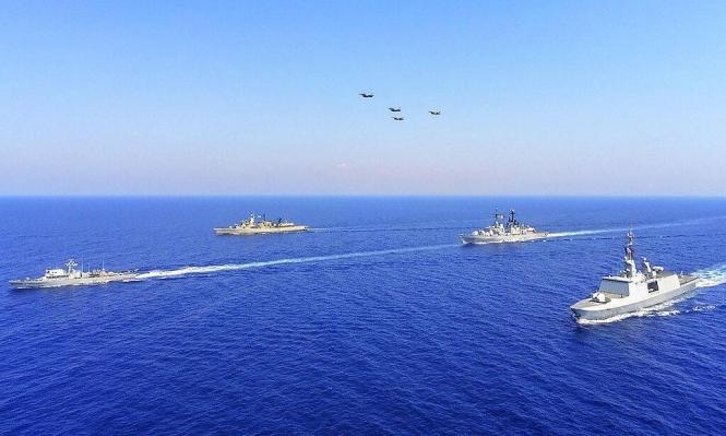 تركيا تحرك دبابات باتجاه الحدود اليونانية وإردوغان يهدد