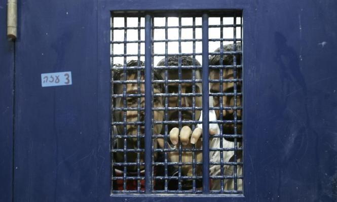 """إصابتان بكورونا لأسيرين في سجن """"عوفر"""""""