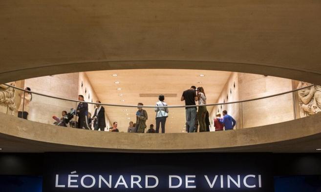 """وثائقي """"ليلة في اللوفر: ليوناردو دا فينتشي"""" سيتجوّل العالم"""