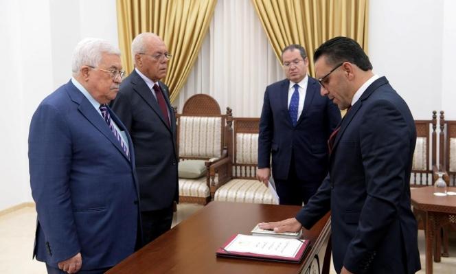 الاحتلال يقيّد حركة محافظ القدس ويمنعُ تواصله مع شخصيّات بينها عبّاس