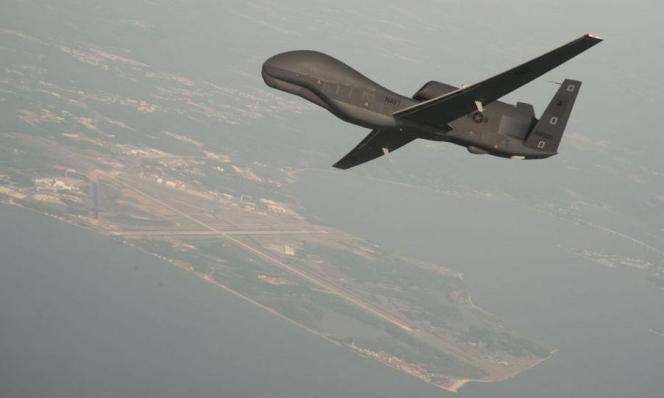 """الجيش الإيراني يعترض طائرات مسيّرة أميركية قرب مضيق """"هرمز"""""""