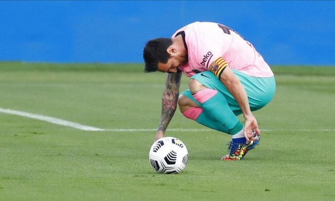 رئيس نادي برشلونة يقترب من ترك منصبه